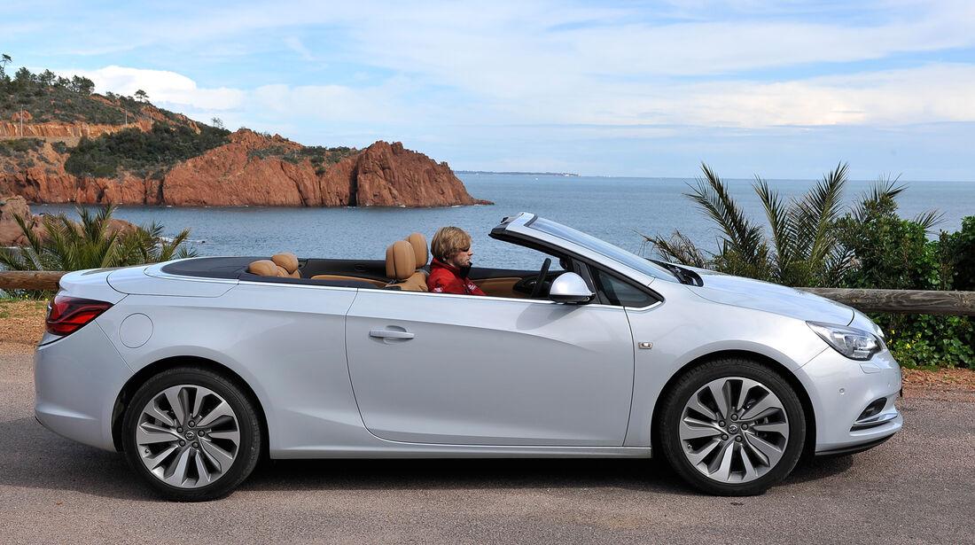Opel Cascada, Seitenansicht, Dach öffnet