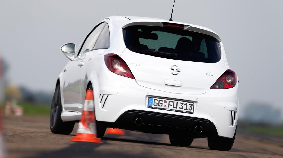 Opel Corsa OPC Nürburgring Edition, Heckansicht, Slalom
