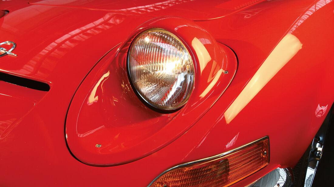 Opel GT, Front mit Scheinwerfer