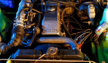 Opel Manta B Motor Klassik Service-Station