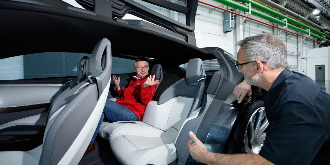 Opel Monza, Fond