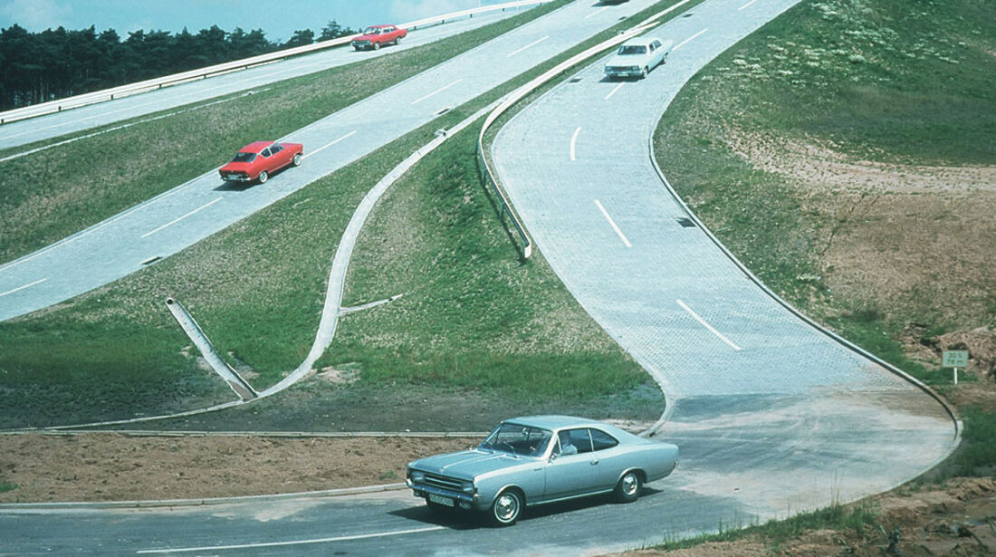 Opel Testzentrum in Dudenhofen