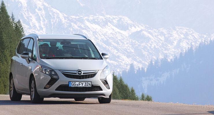 Opel Zafira Tourer 2.0 CDTI Biturbo Innovation, Frontansicht