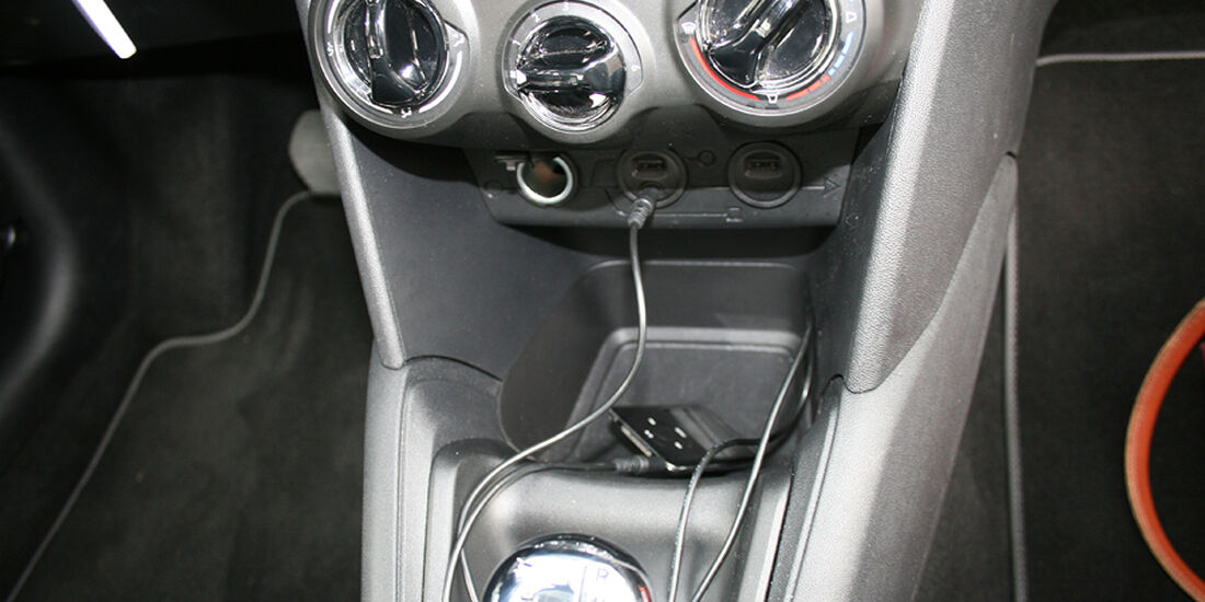 Peugeot 208, Innenraum-Check, iPod AUX