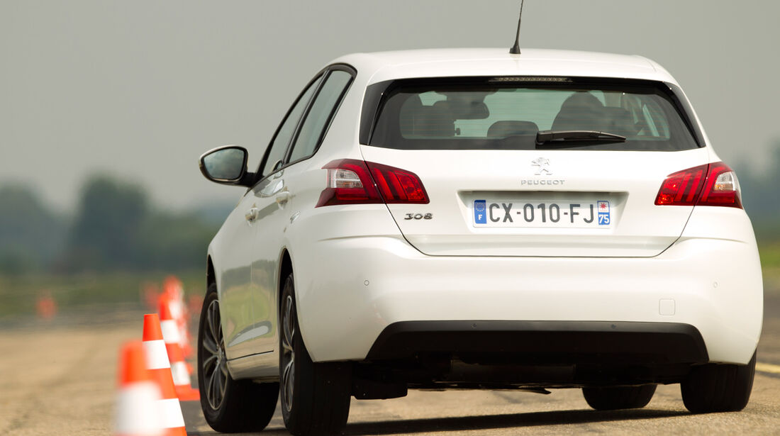 Peugeot 308 125 THP, Frontansicht, Slalom