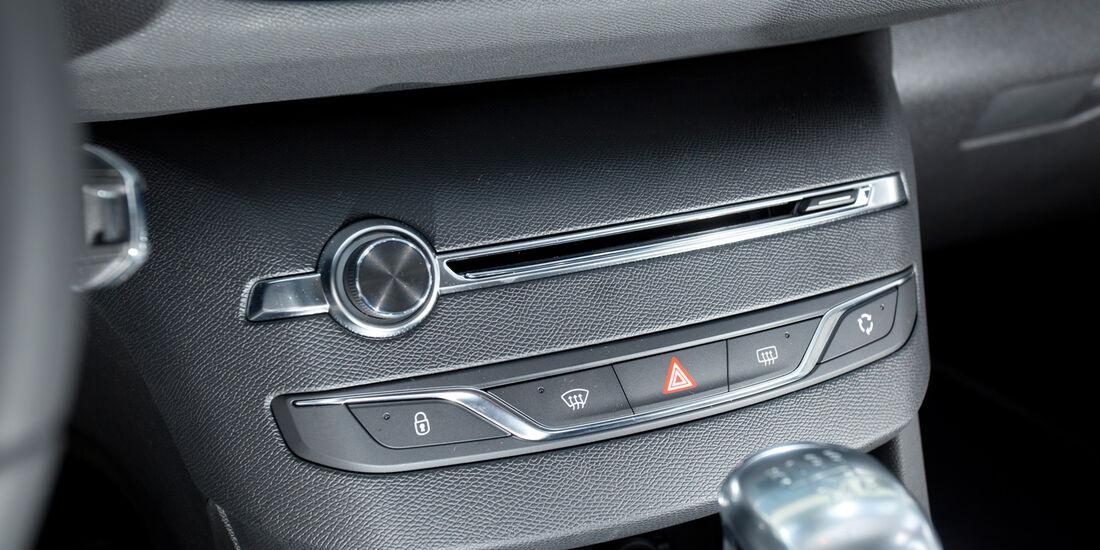 Peugeot 308 125 THP, Mittelkonsole, Schalthebel