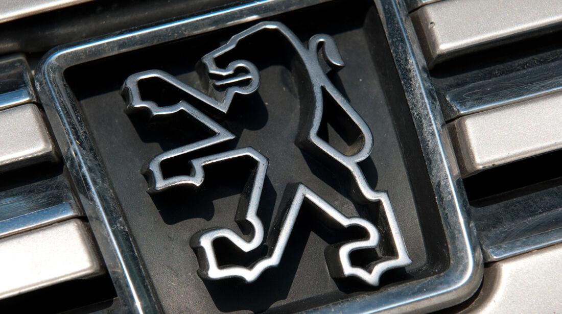 Peugeot 605 2.0 Sri, Emblem