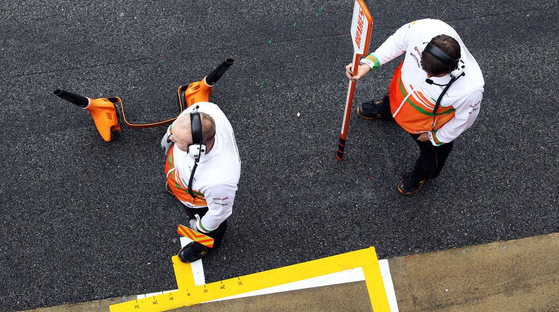 Pit-Stop-Team, Force India, Formel 1-Test, Barcelona, 01. März 2013