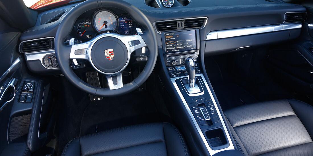 Porsche 911 Carrera S Cabriolet, Cockpit