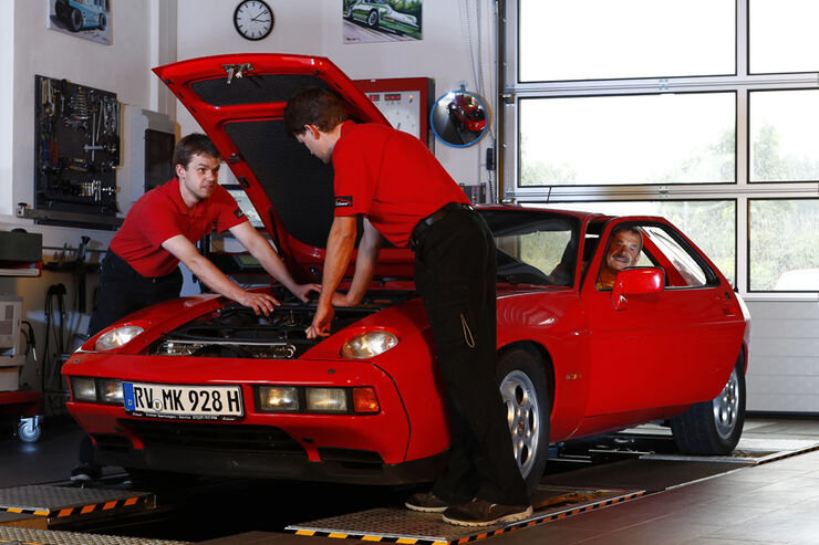 Porsche 928 S, Werkstatt