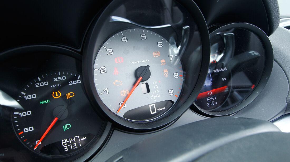 Porsche Boxster S, Rundinstrumente