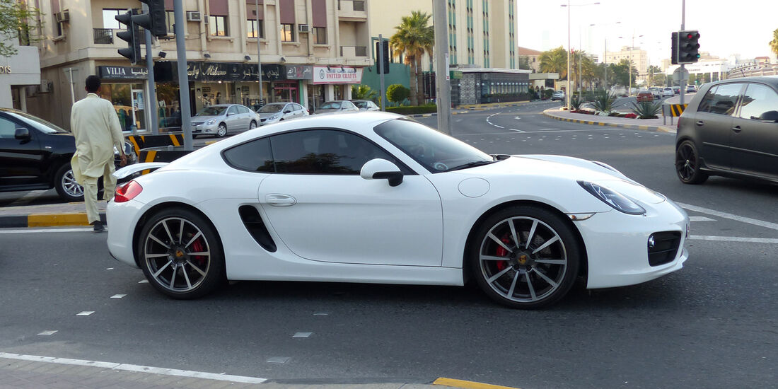 Porsche Cayman - Carspotting Bahrain 2014