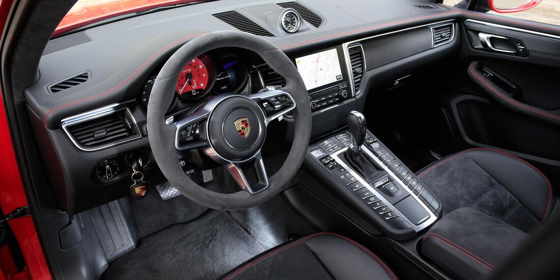 Porsche Macan GTS, Cockpit