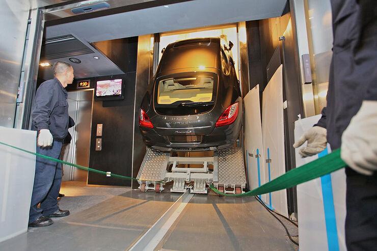 Porsche Panamera Aufzug