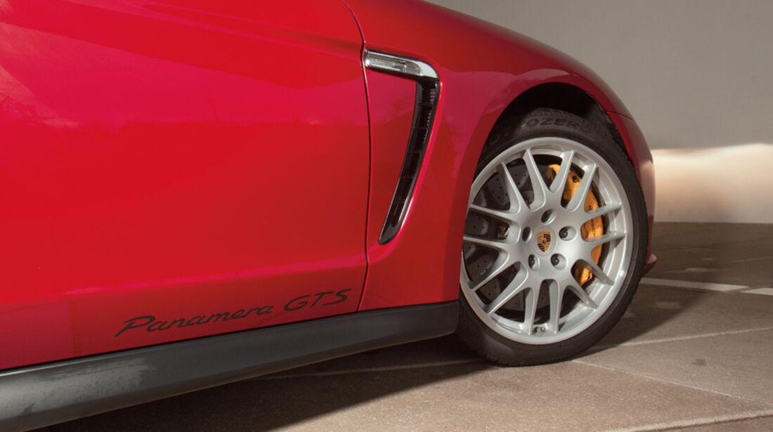 Porsche Panamera GTS, Seitenlinie