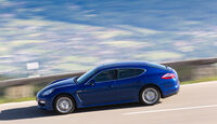 Porsche Panamera S Hybrid, Seitenansicht, Fahrt, Bergstraße