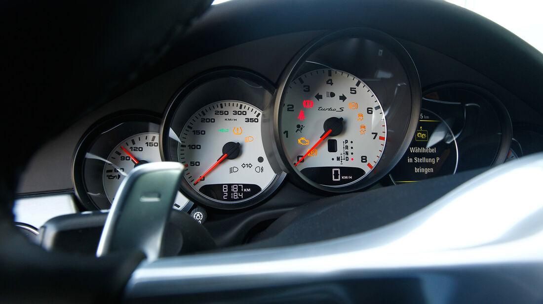 Porsche Panamera Turbo S, Rundinstrumente, Tacho