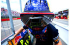 Red Bull - 2014 - Mechaniker - Helme - Formel 1