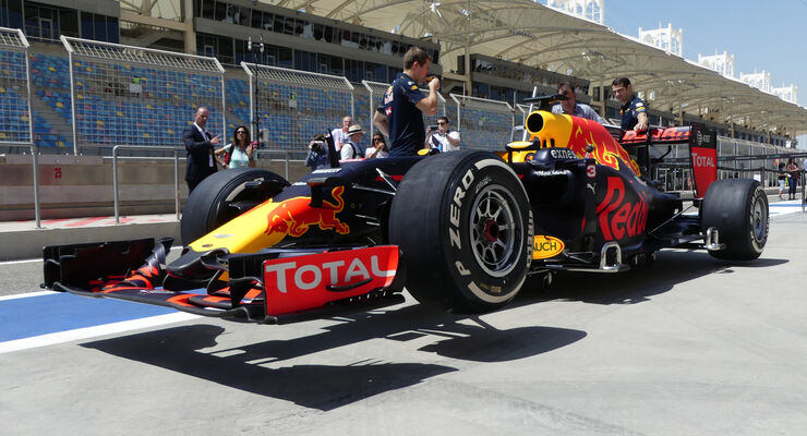 Red Bull - Formel 1 - GP Bahrain - 2. April 2016