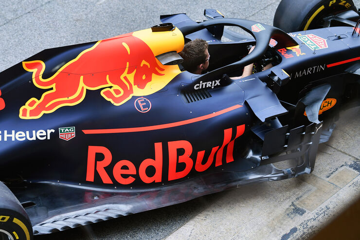 https://imgr4.auto-motor-und-sport.de/Red-Bull-Formel-1-GP-Spanien-Barcelona-10-Mai-2018-fotoshowBig-cd4b6b2f-1162528.jpg