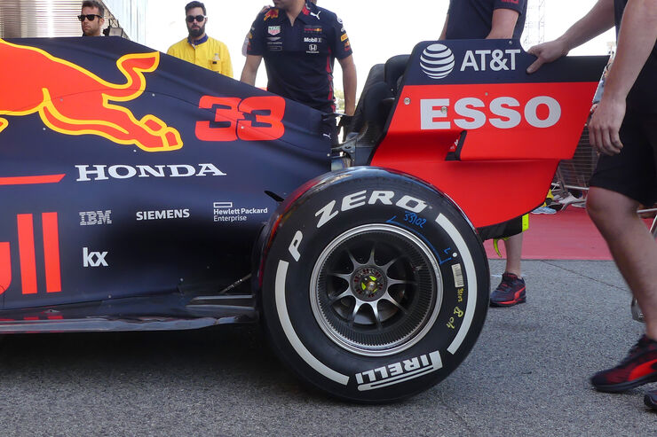 https://imgr4.auto-motor-und-sport.de/Red-Bull-Formel-1-GP-Spanien-Barcelona-9-Mai-2019-fotoshowBig-3a0711fd-1555688.jpg