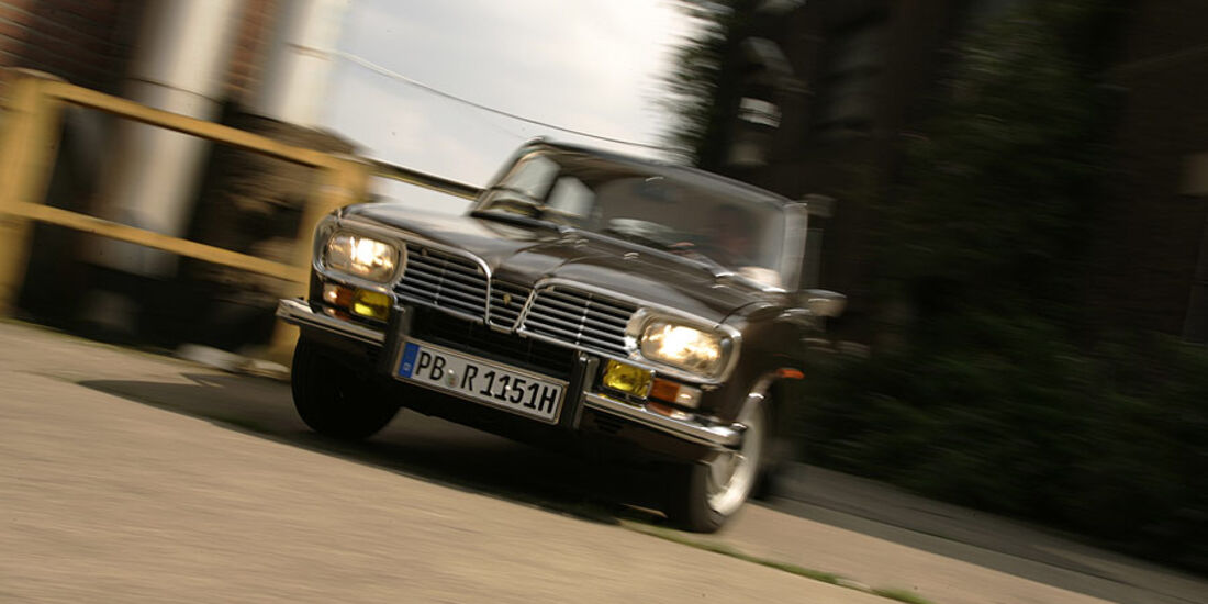 Renault 16 in Fahrt