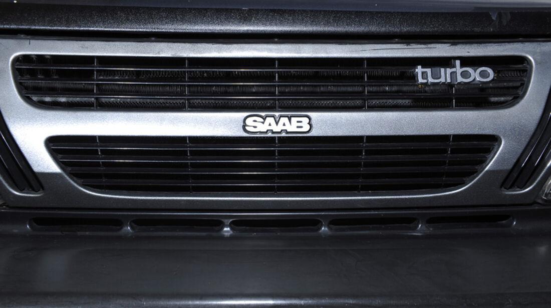 Saab 900 Turbo DeLuxe, Baujahr 1984 Kühlergrill