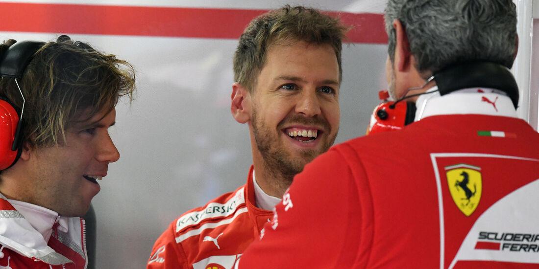 Sebastian Vettel - Maurizio Arrivabene - Ferrari - Formel 1 - GP China - Shanghai - 7.4.2017
