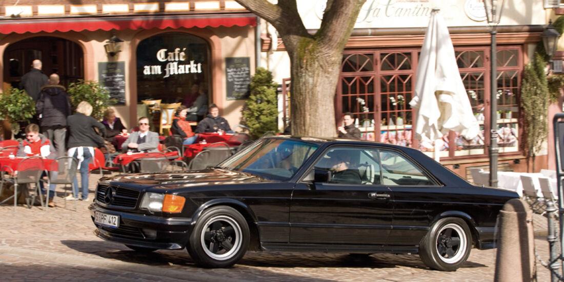 Seitenansicht eines Mercedes-Benz 500 SEC-AMG