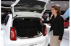 Sitzprobe auf der IAA 2011 in Frankfurt - Birgit Priemer im VW Up