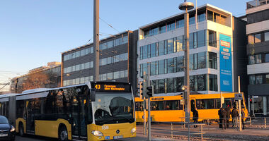 Stadtbahn U-Bahn ÖPNV Bahn und Bus