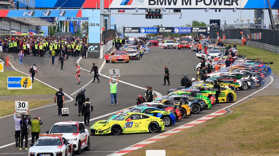Startaufstellung - 24h-Rennen Nürburgring - Nordschleife - Samstag - 12.5.2018