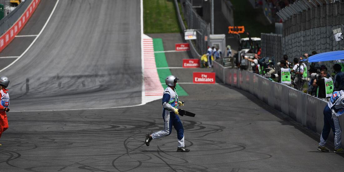 Streckenposten - GP Österreich 2017 - Spielberg - Rennen