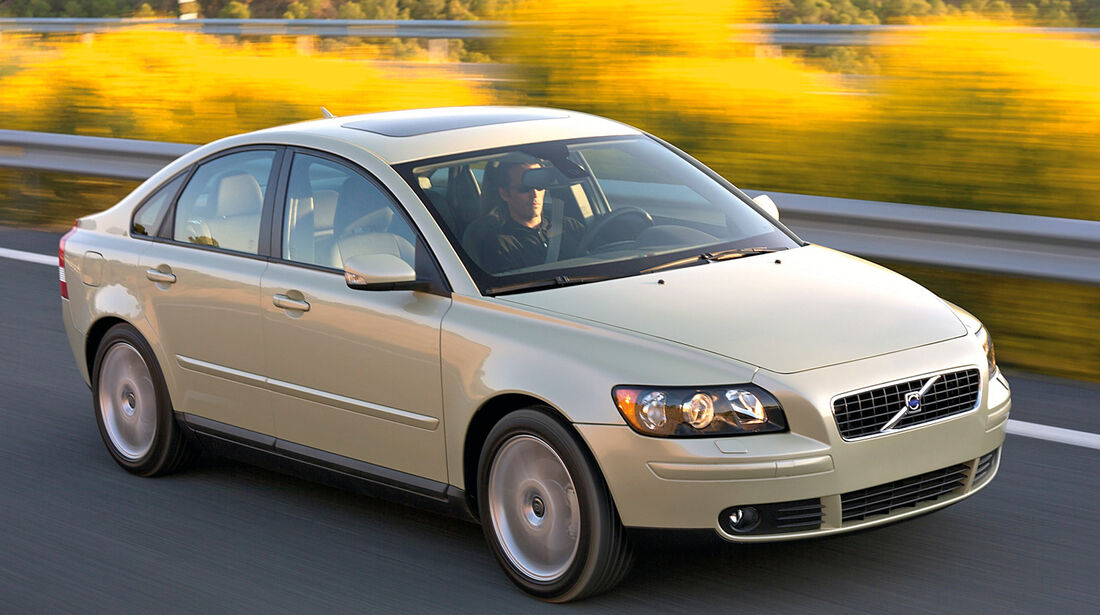 Stufenheck-Limousinen, Volvo S40 1.8 Kinetic
