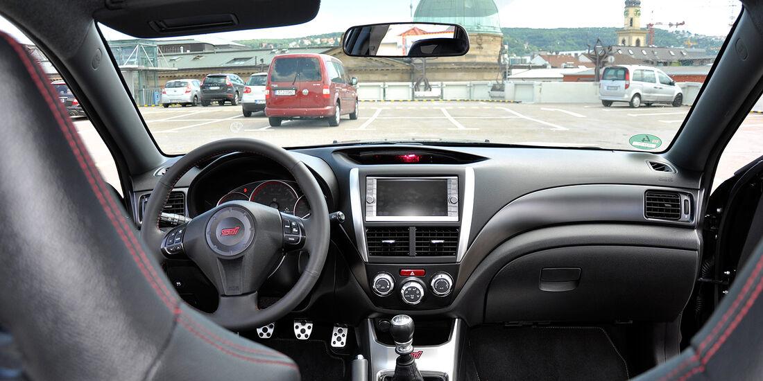 Subaru WRX STi, Innenraum, Cockpit