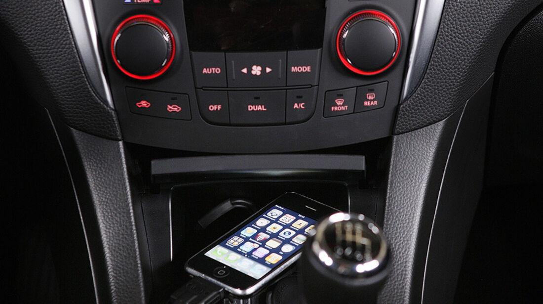 Suzuki Kizashi, ipod, mittelkonsole