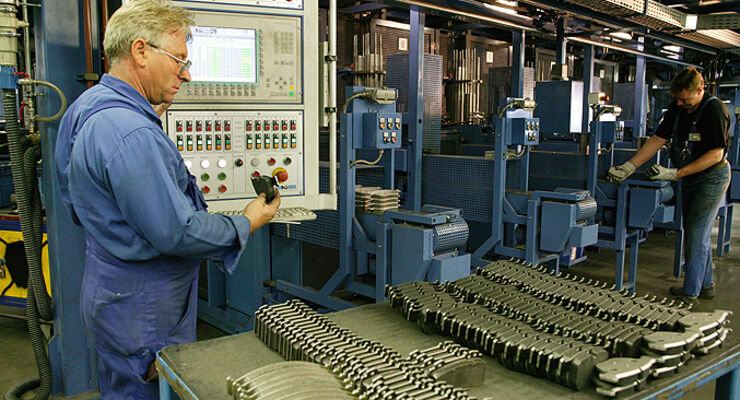 TMD Friction Produktion Bremsbeläge Fertigung