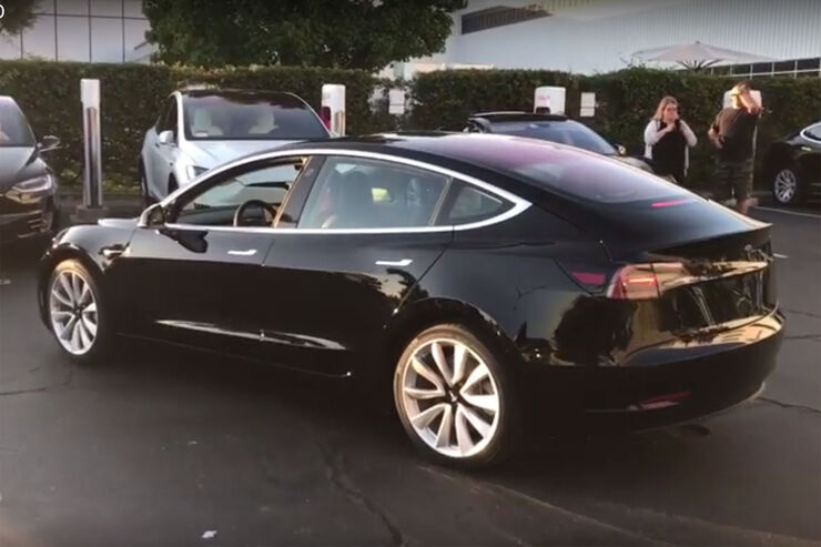 tesla model 3 alle infos marktstart preis fotos update auto motor und sport. Black Bedroom Furniture Sets. Home Design Ideas