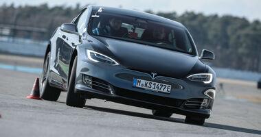 Tesla Model S P100D 4x4 - Test