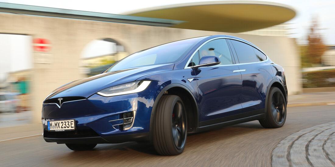 Tesla Model X P90D, Frontansicht
