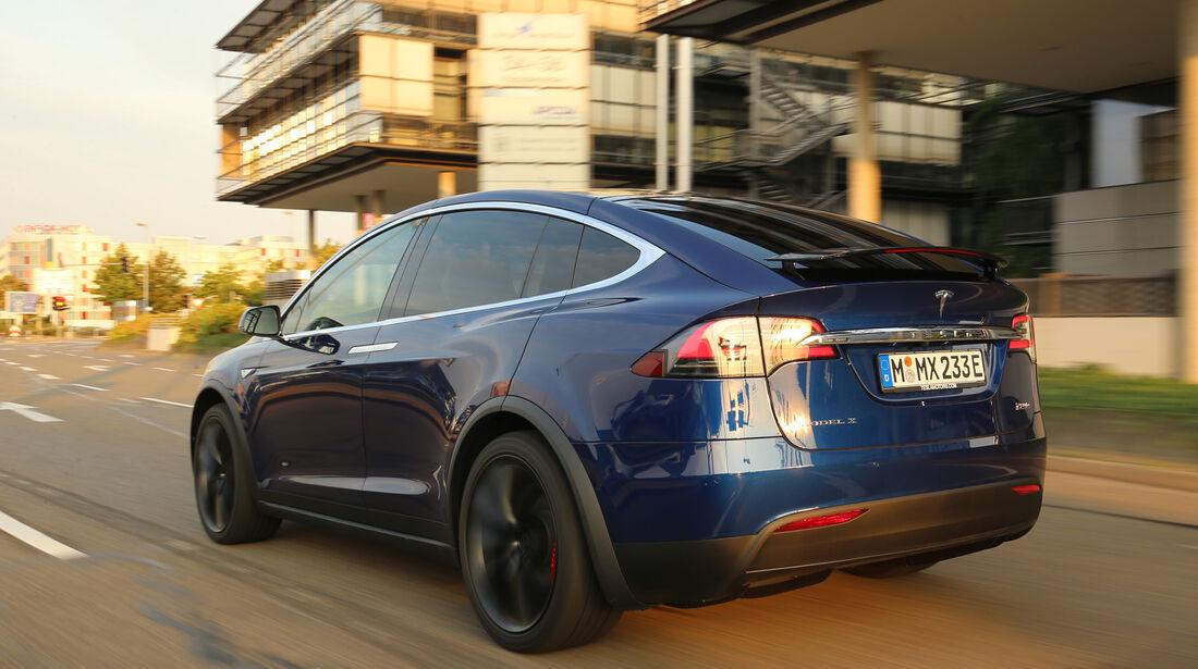 Tesla Model X P90D, Heckansicht