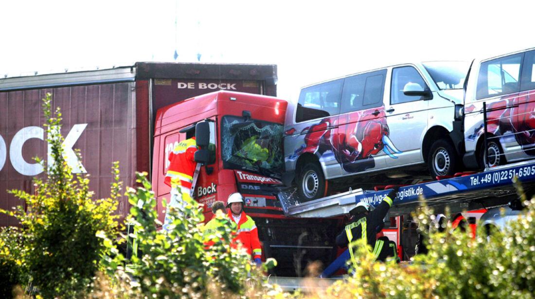 Toro Rosso Autobahn Crashs 2011