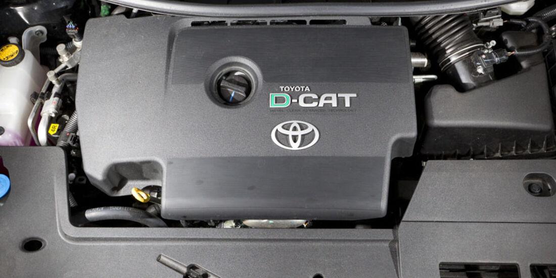 Toyota Auris 2.2 D-CAT, Motor