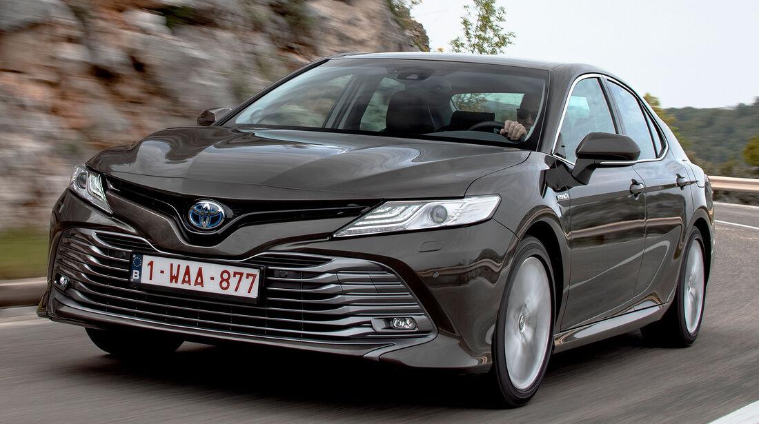 Toyota Camry Hybrid (2019)
