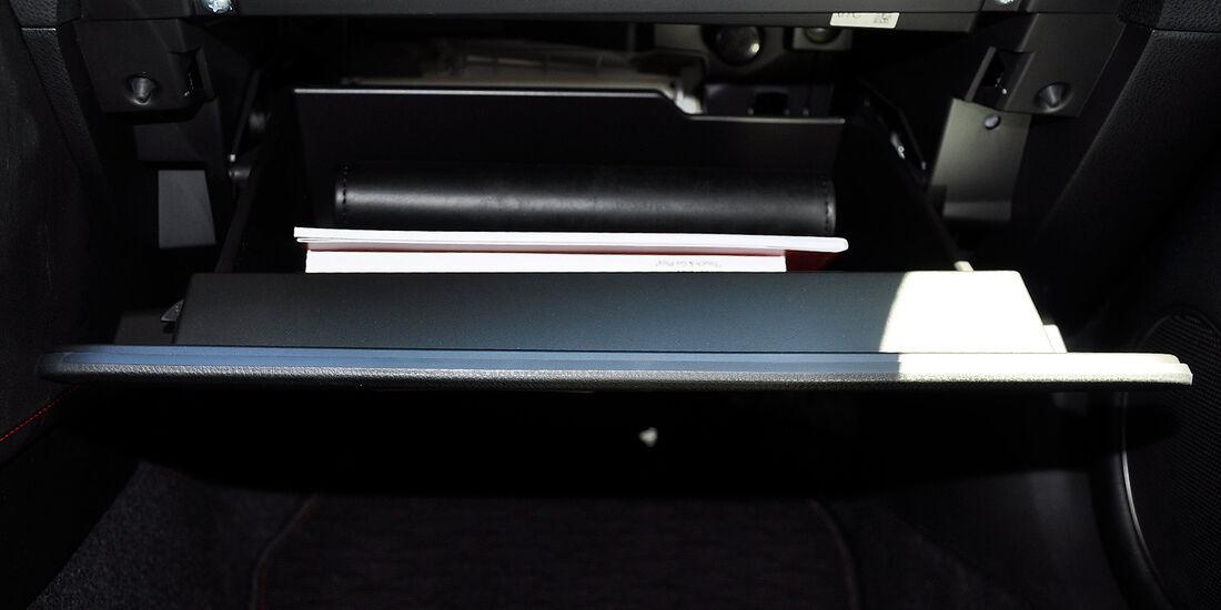 Toyota GT 86, Handschuhfach