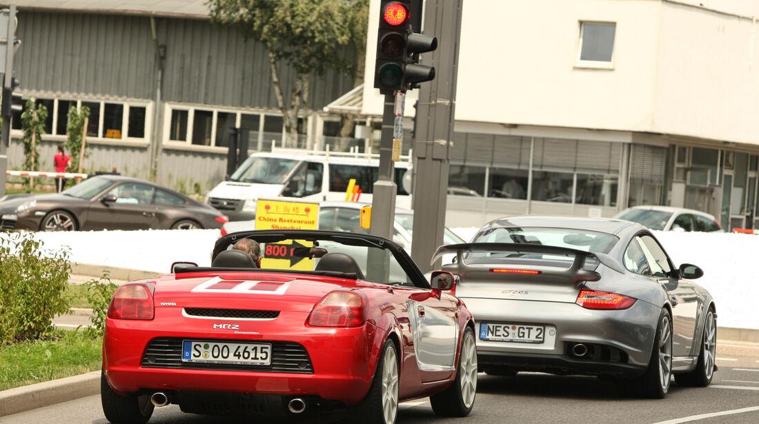 Toyota MR2 Competition, Porsche 911, Ampel, Heck