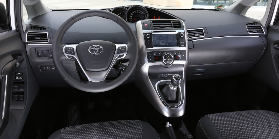 Toyota Verso 1.6 D-4D Life, Cockpit