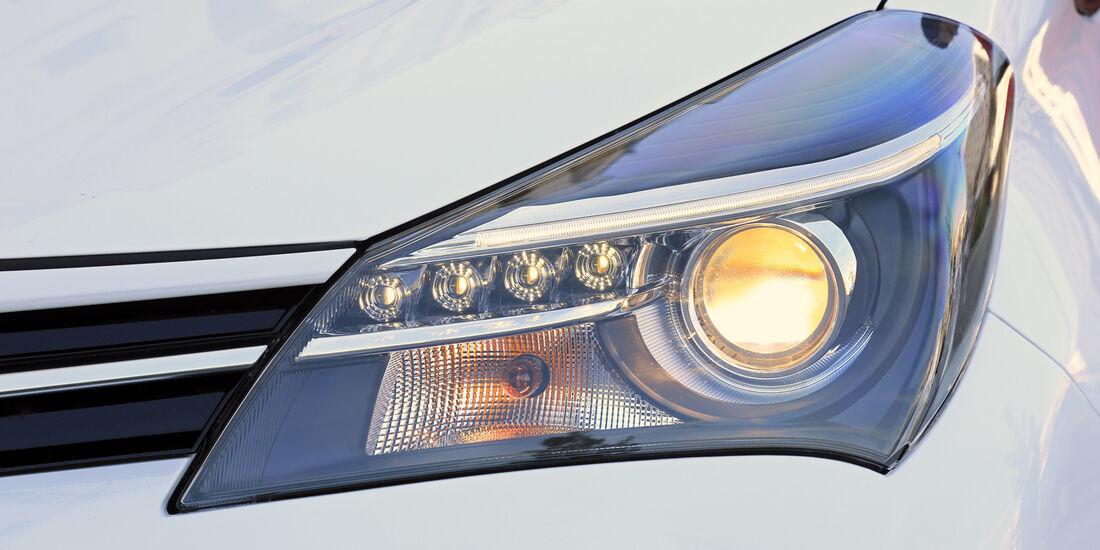 Toyota Yaris 1.5 Hybrid Comfort, Frontscheinwerfer