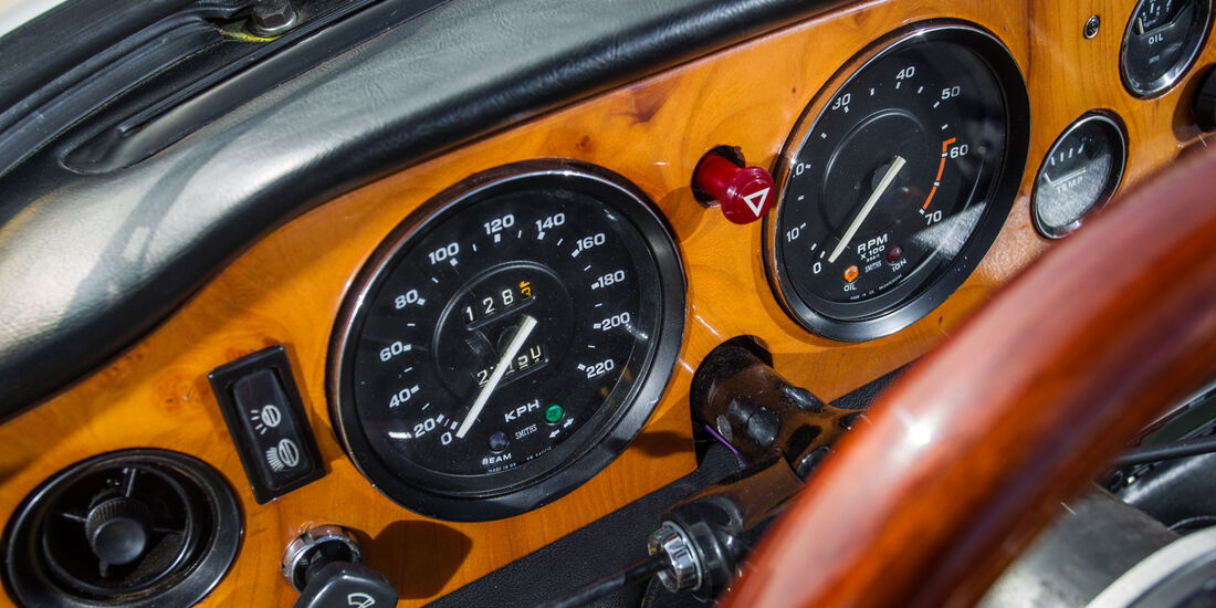 Triumph TR6, Rundinstrumente