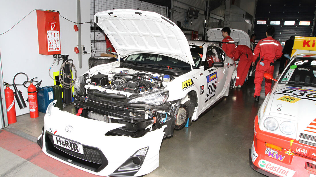 VLN Langstreckenmeisterschaft Nürburgring 14-04-2012, Box